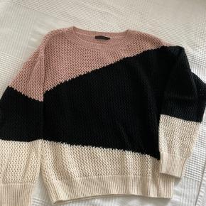 Fin trøje - holdt godt🤍 passer også en Small. Skal afhentes🤍