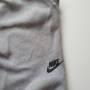 Nike Tech fleece pants joggers I perfekt stand, Slim fit