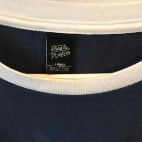 Deus long sleeve t-shirt str. L  Kun brugt få gange
