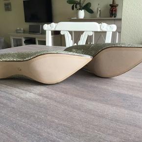 Dune heels