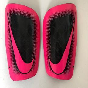 Nike Mercurial benskinner til fodbold