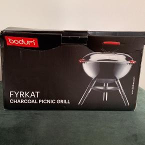 Bodum Kul Picnic Grill i stål. Aldrig brugt.  Sendes ikke: Kan afhentes på Frederiksberg eller i Greve.