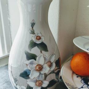 Bing og Grøndahl vaseMeget smuk vase med blomster 🌺🌺