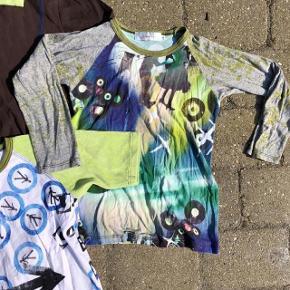5 overdele fra drappa dot i str. 10 år Farve: Brun, Blå, Grøn, Hvid, Sort  5 overdele fra drappa dot til drenge. Den brune hættebluse med blå syninger er aldrig brugt, sort cardigan er i fin stand men brugt, så er der 2 langærmede bluser samt kortærmet t-shirt med grønne velour ærmer. Alt er i skønneste stand og fejler intet.  #30dayssellout Pris for 5 dele: 100  kr pp