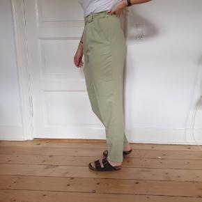 Super fine Højtaljet pastel mintgrønne capri / chinos bukser. Perfekt til summer