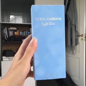 680 kr. i Matas, men bliver aldrig brug så jeg sælger denne 100 ml Dolce&Gabbana parfume 💛