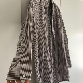 Brunstribet skjorte fra Mads Nørgaard.  Brugt 1 gang.
