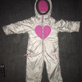 104 / 110  cupcake Flyverdragt sølv pink hjerte