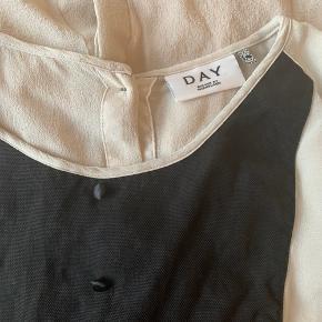 Silke bluse fra Day, transparent