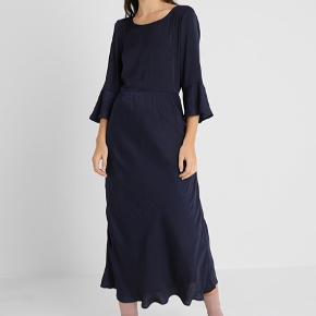 Six Ames kjole