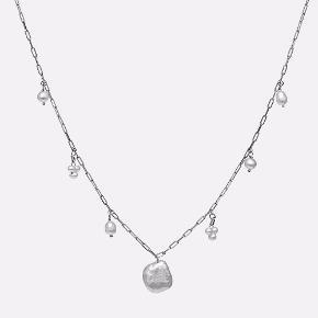 Keshi halskæde fra Maanesten i sølv. Byd gerne 😊