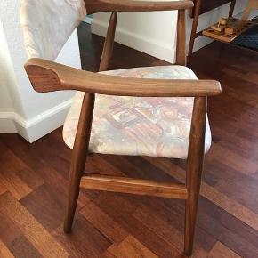 Retro Farstrup lænestol i pænt stand Fra røgfrit hjem stolen er dansk designer og vurderet hos Lauritz . Com Kom gerne med et bud Den kan hentes Esbjerg 6700