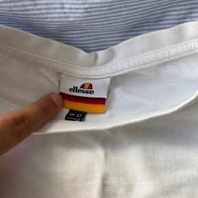 Ellesse t-shirt. Sælger da jeg ikke får den brugt