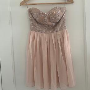 Elise Ryan kjole