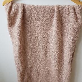 Lækker og blødt tørklæde i skøn rosa farve