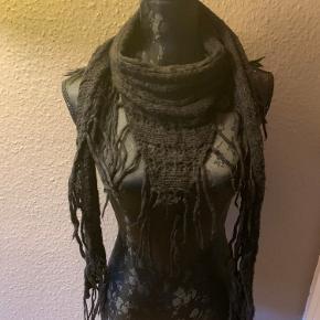 Tyndt strik halstørklæde, trekant-formet