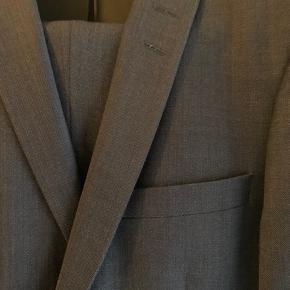 Flot slim nedvin jakkesæt