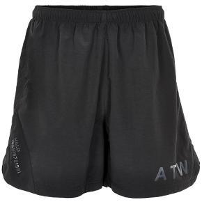 Sælger disse fede shorts fra det populære danske modemærke, Newline.Halo. Aldrig brugt.  Byd!