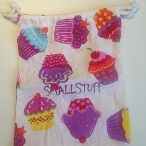Varetype: FrugtposeStørrelse: X Farve: Ukendt Prisen angivet er inklusiv forsendelse.  Lille pose, kan evt bruges som frugt pose. Se også mine andre annoncer og Byd:)