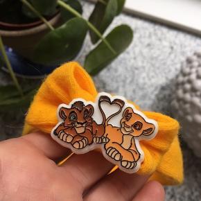 Virkelig fint løvernes konge pandebånd Onesize da der er elastik i, det kan udvides meget  Perfekt kalendergave - gave - advendtsgave -Lion King - Disney   Holder Flyttesalg på profilen