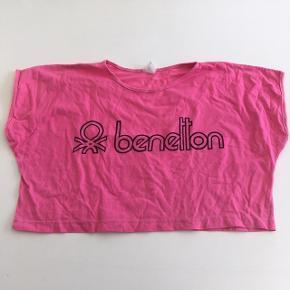 Pink crop top, købt i Grækenland, sælger andre toppe i samme snit som ses på de næste billeder:) #sundaysellout