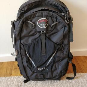 Tasken er for OSPRAY, købt for 800, ubrugt. Sælges til halv pris. Mange rum.