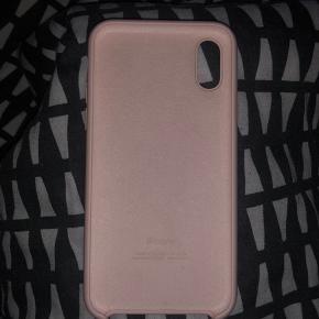 Sælger apple silicone cover.  Tilhører iPhone x og xs