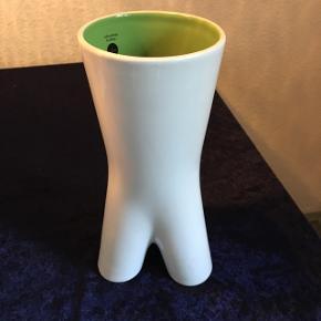 """Vendbar vase og lysestage.  """"Sagoform upside Down vase"""" Helt ny"""