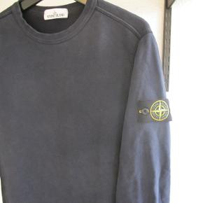 Stone Island sweater i navyStørrelse medium Brugt meget få gange, og derfor i perfekt stand.  Pris: 1000kr   Ignorer venligst nedenstående SEO's. ralph lauren tommy hilfiger nike adidas hugo boss burberry levi levis gucci lacoste north face versace louis vuitton diesel rolex calvin klein armani prada zara givenchy vans h&m champion guess supreme hermés christian dior puma fred perry patagonia converse a bathing ape bape fendi stone island uniqlo cartier balenciaga fila new balance reebok palace kappa asos cdg ellese valentino moncler mcm hype hypebeast yeezy kanye