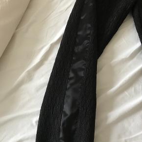 Sorte bukser fra Heartmade - brugt 1 gang