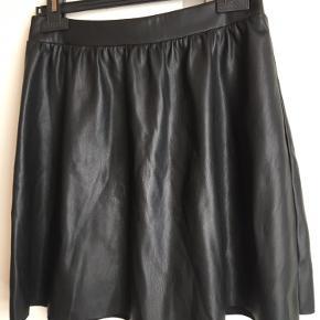 ONLY kjole eller nederdel