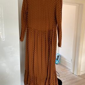 Mega fin kjole - lidt stor i størrelsen!