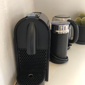 Nespresso kaffemaskine. Med mælkeskummer. Brugt meget lidt.