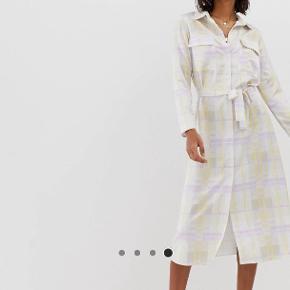 634dec1e Flot kjole fra ASOS med bindebånd Aldrig brugt, prismærke stadig i:)