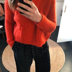 Smuk sweater fra Malene Birger str M. Passer S til L. Bredt og kort fit
