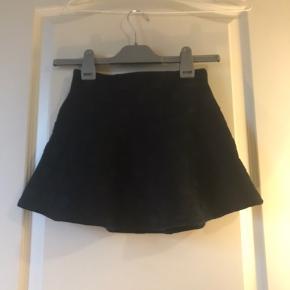 Utroligt sødt nederdel med store prikker