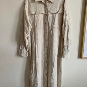 Rigtig fin skjortekjole fra Asos :) fejler ingenting