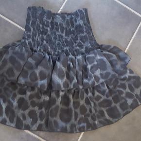 flot kort neo noir nederdel str xl  aldrig brugt men tags fjernet