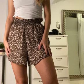 Søde shorts fra H&M Byyyyd :))