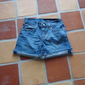 Varetype: Shorts Størrelse: 26 Farve: Jeans Oprindelig købspris: 499 kr.