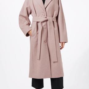 Smukkeste frakke fra Weekday