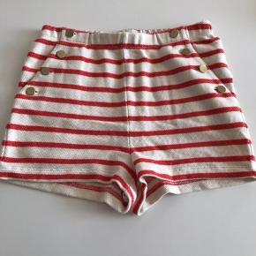 Fine shorts fra Malene Birger. Kan sendes med DAO, køber betaler.   Bytter ikke :-)
