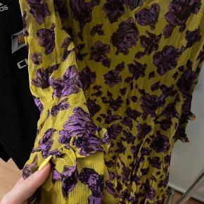 Baum Und Pferdgarten kjole i str. L  Cond 9/10 brugt få gange Nypris 1800 MP 500