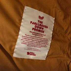 Helt ny ubrugt Fjällräven jakke med tags.Str.L