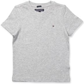 Sød Tommy Hilfiger t-shirt i str 164. Ingen tegn på slid, eller afvaskning. Mp 90 + fragt 🌸🌸🌸🌸🌸🌸🌸🌸🌸