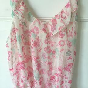 Fineste buksedragt lingeri fra H&M i str xs - lyserød og aldrig brugt. Kan prøves og afhentes i Kbh K.