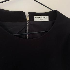 Stunning Balenciaga black baloon top  Very structural and with beautiful fabric; super elegant for evening and day