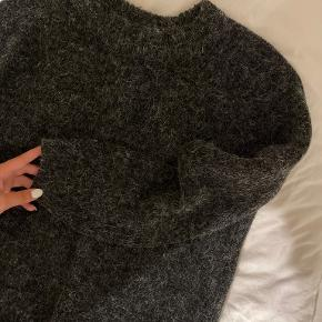 Groovy Girls sweater