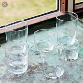 7 hay glas i str. L. Altså de største. Normal pris 30kr stk. Køb dem alle for 100kr.