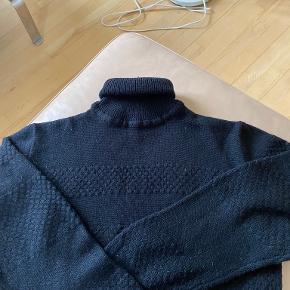 Iceman sweater